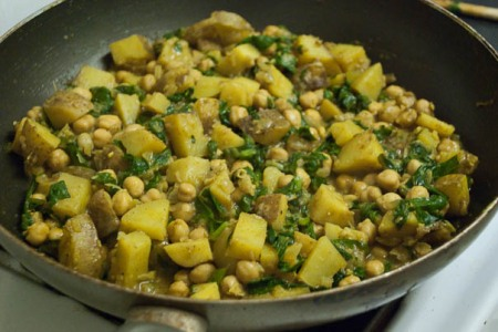 Potato, spinach, garbanzo bean curry